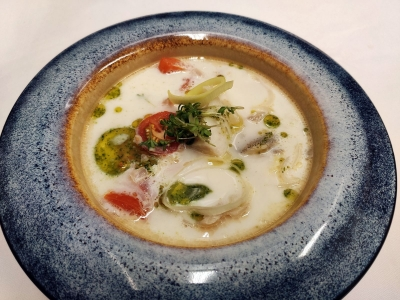 Cream soup with salmon, walleye and eel